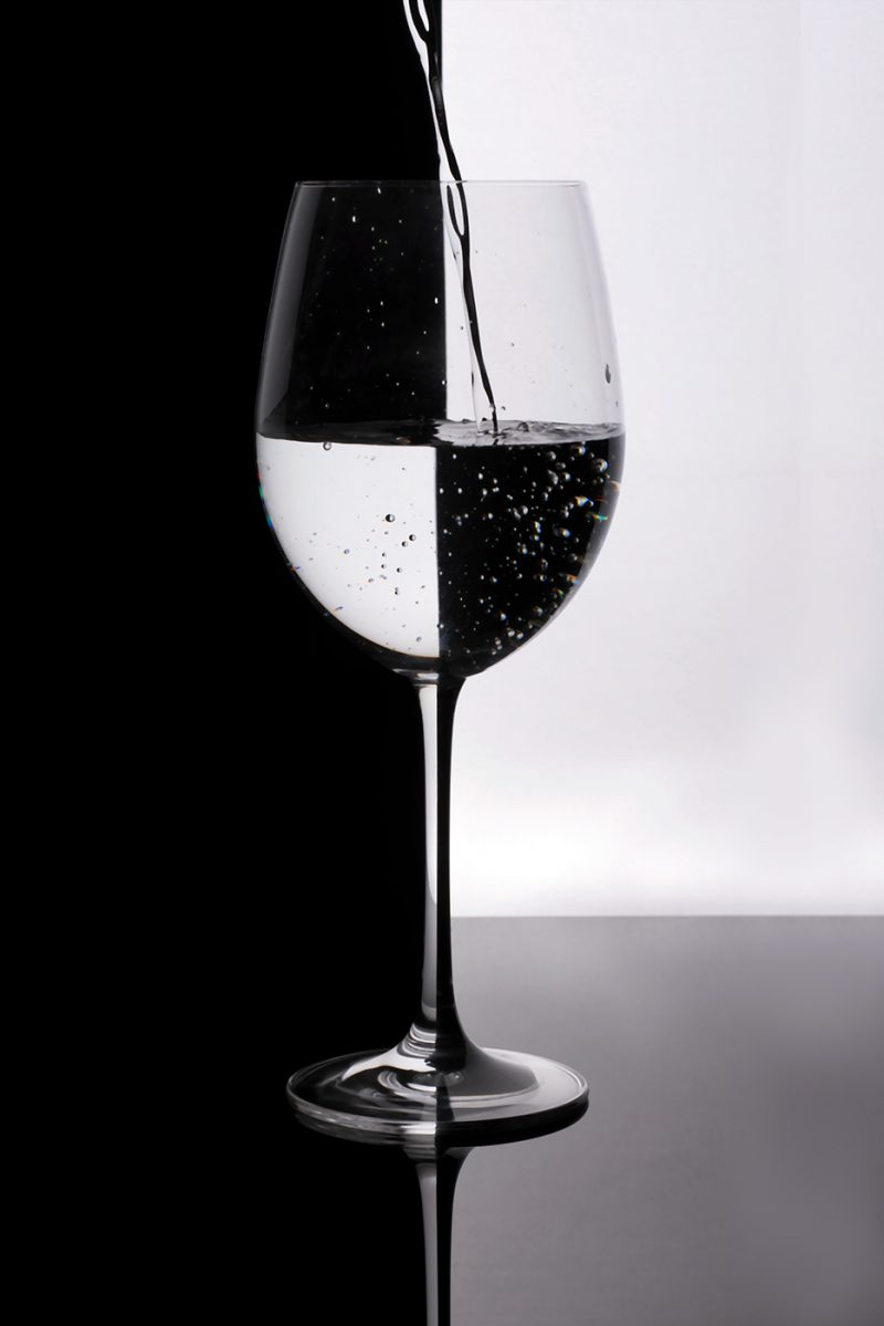 Wine glass with checker pattern