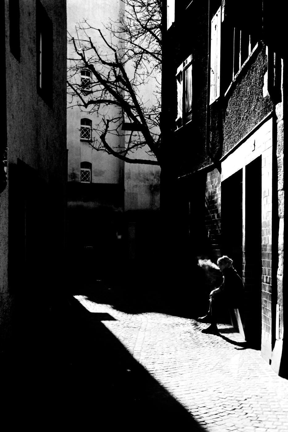 street photography Basel smoking leica m3 kodak tmax 100